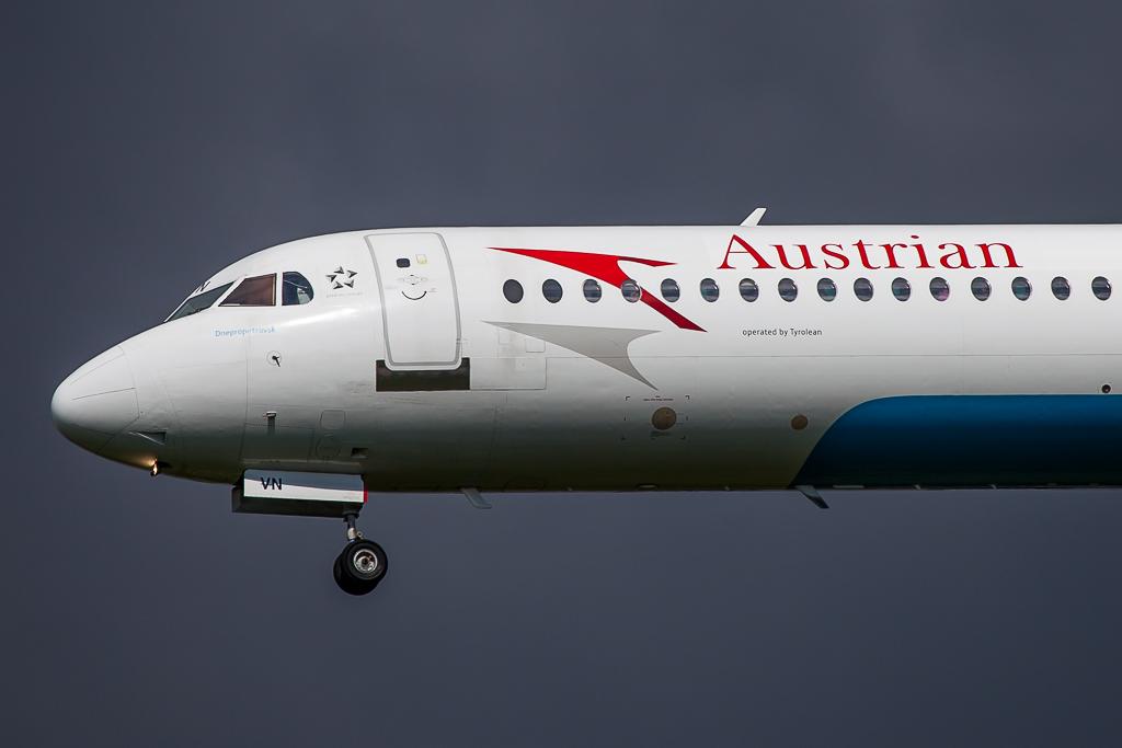 Austrian OE-LVN, Fokker 100