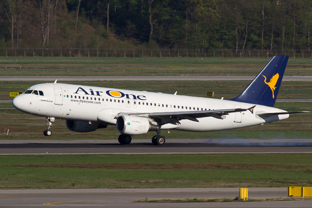 Air One EI-DSS, Airbus A320