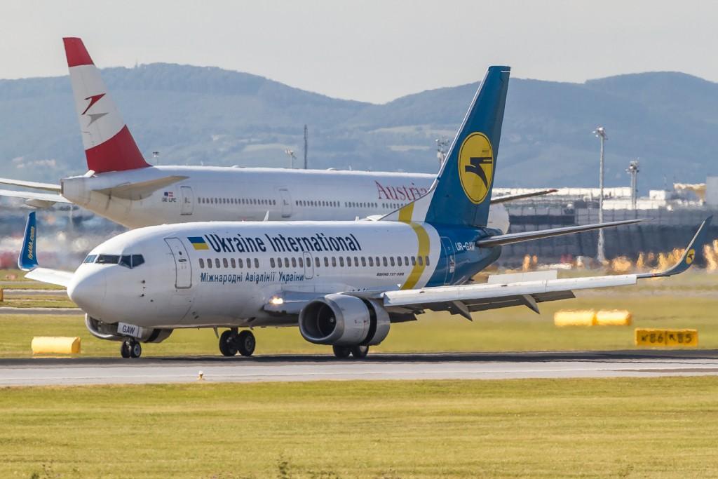 Ukraine Int. UR-GAW, Boeing 737-500