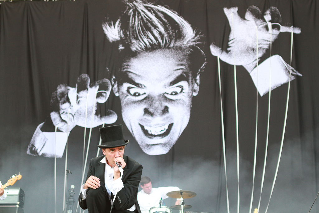 Howlin' Pelle Almqvist - The Hives