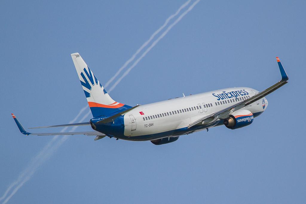 Sun Express TC-SNH, Boeing 737