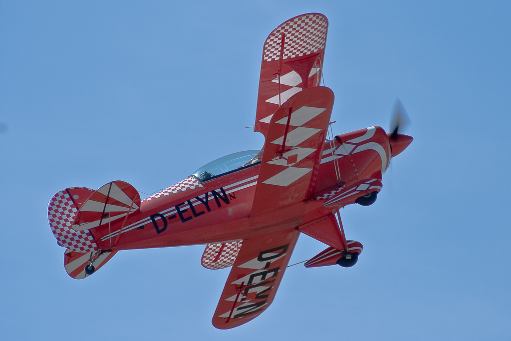 D-ELYN, Pitts S-2A Special